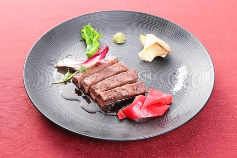 黒毛和牛ステーキセット(100グラム)